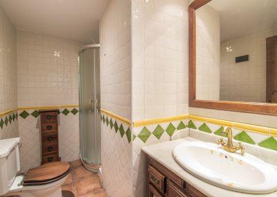 Granada apartamentos en calle pavaneras centro